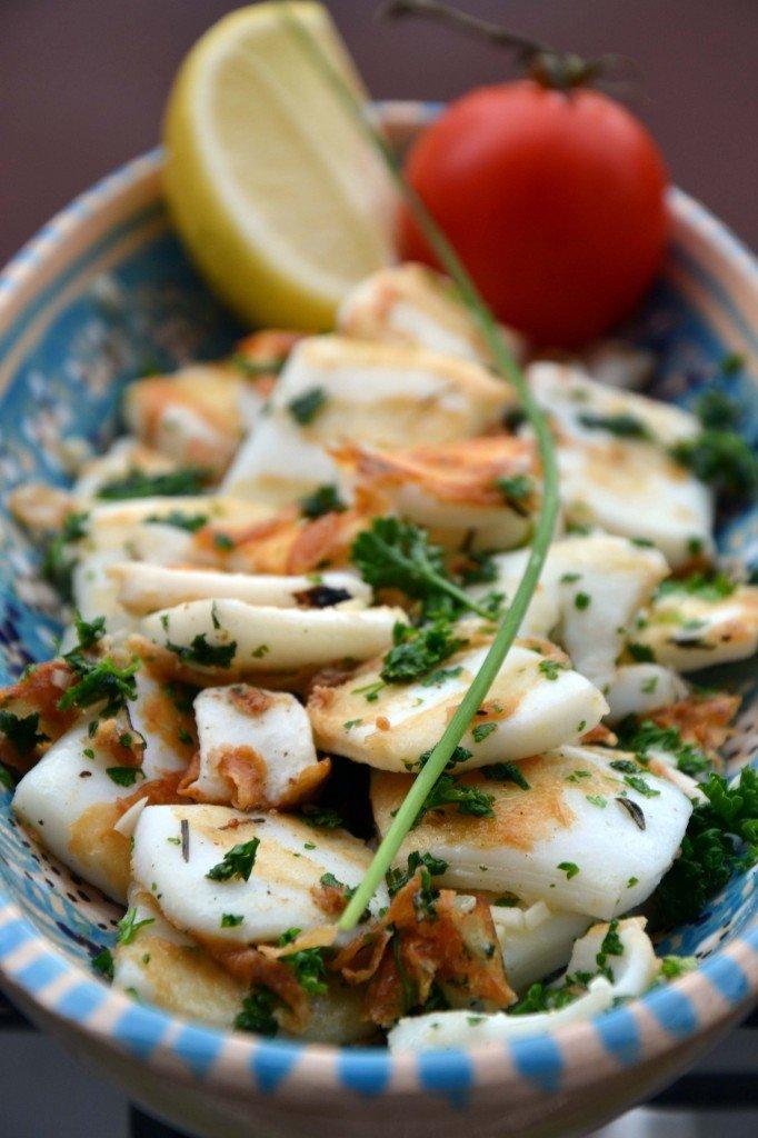 Lamelles de calamar géant en tapas. dans Cuisine tapas-de-calamars